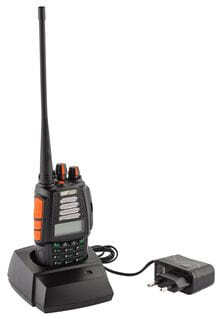 Photo 4CF VHF / UHF Dual Band Radio and FM Radio - CRT UK