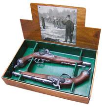 Photo Réplique décorative Denix d'une paire de pistolets de duel Italien à poudre noire