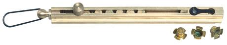 Photo Distributeur linéaire d'amorces, pour douze amorces à quatre ailettes