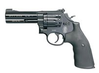 Photo Revolver CO2 Smith & Wesson Mod 586 noir 4'' BB's cal. 4,5 mm